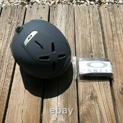 NEW OAKLEY MOD 3 Mod3 MIPS Skiing Snowboarding HELMET Forged Iron Size M Gray