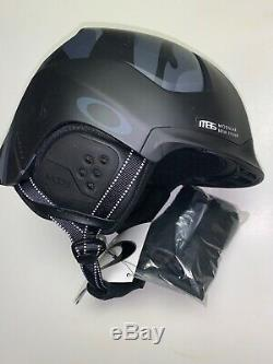 New Large Oakley MOD5 Snow Helmet Night Camo Boa Med Ski Matte