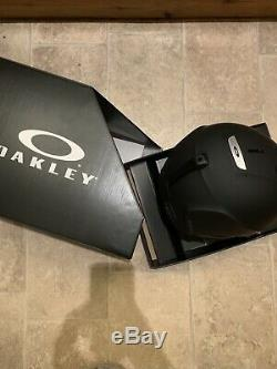 Oakley MOD 3 Helmet Ski / Snowboard Size M 55-59cm Black