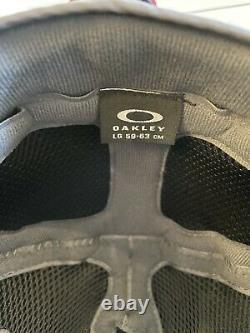 Oakley Mod5 Ski or Snowboard Helmet. Black Large with new Flightdeck goggles